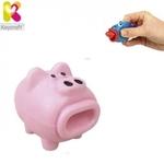 Keycraft NV173 Smieklīga gumijas Cūciņa ar izlekamo mēli (5cm) bērniem no 3+ gadiem Gaiši rozā
